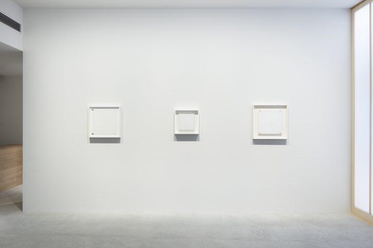 Photograph 5 from Robert Ryman exhibition.
