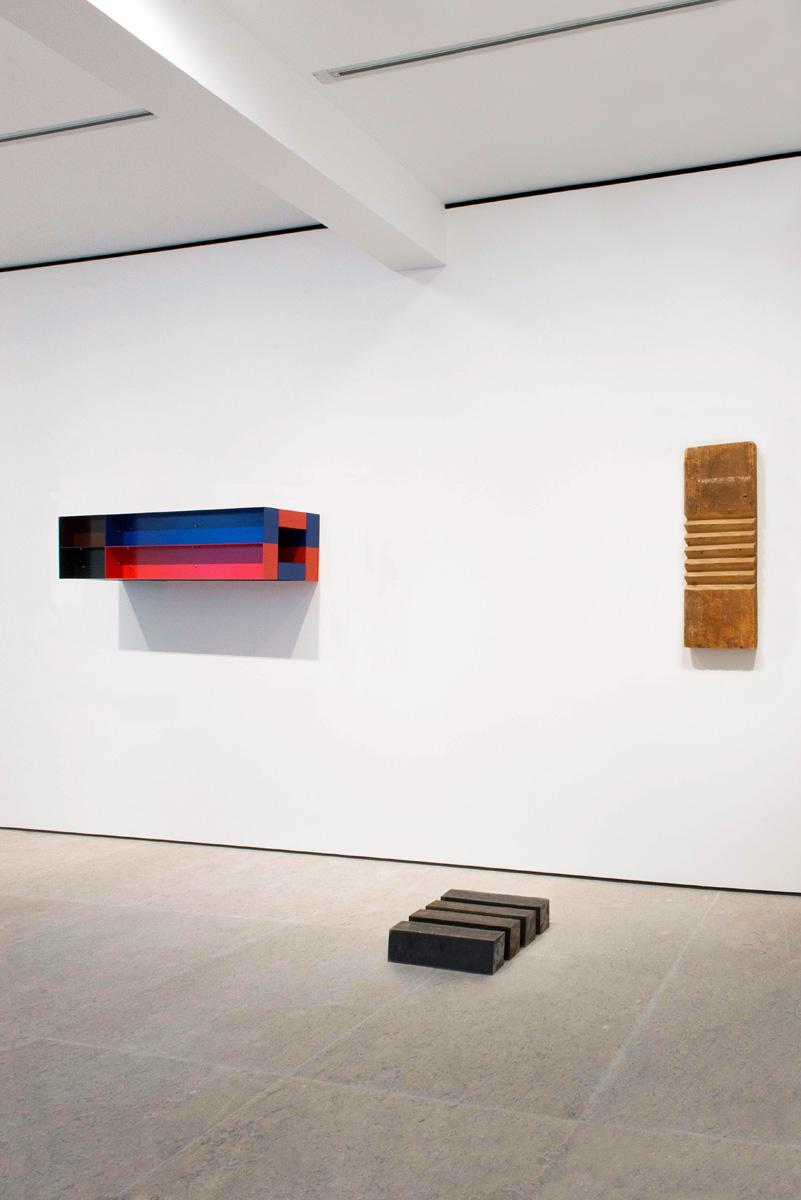 Photograph 5 from Richard Nonas / Donald Judd exhibition.