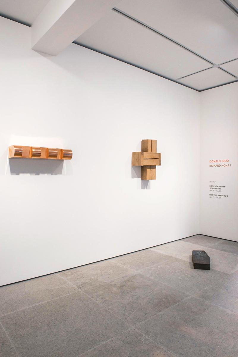 Photograph 4 from Richard Nonas / Donald Judd exhibition.