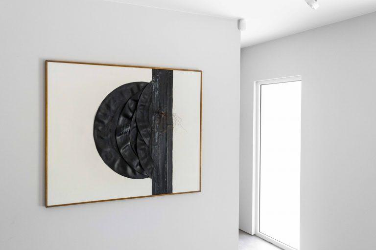 Photograph 2 from Rachel Harrison & Carol Rama exhibition.